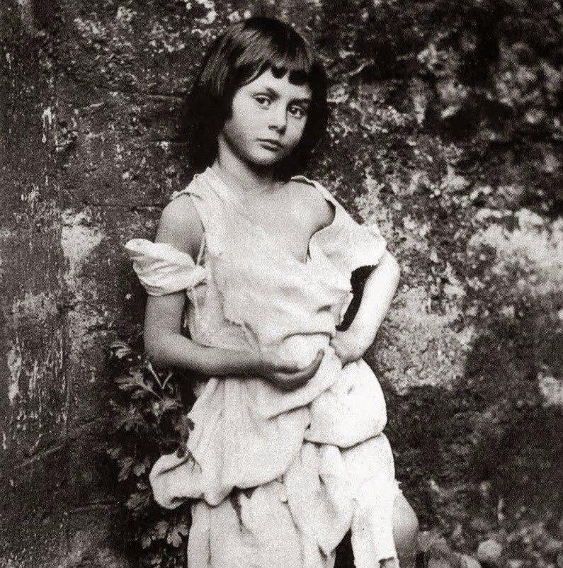 40 правил жизни девочки Алисы Лидделл