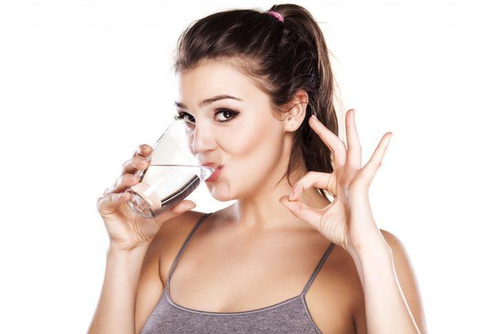 ХИЖИНА ЗДОРОВЬЯ. Пейте воду на здоровье. Она всему голова