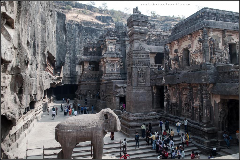 8480840970 066edf7dc5 b Уникальный храм Кайласанатха