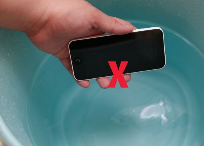 Как безопасно очистить экран смартфона, ноутбука или телевизора: 5 полезных правил