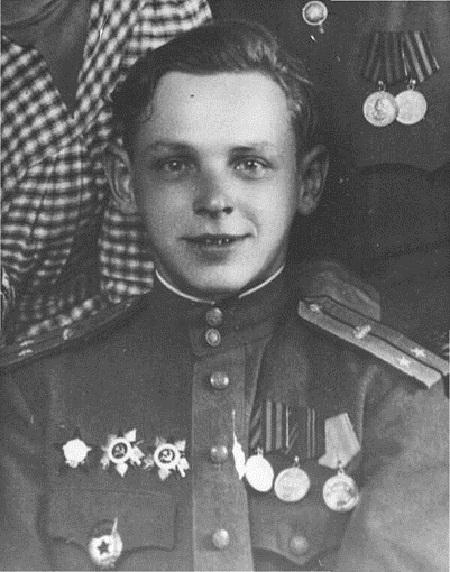 Почему в 41-м советская армия проигрывала немцам, имея численное превосходство, а в 44-м побеждала, не имея?