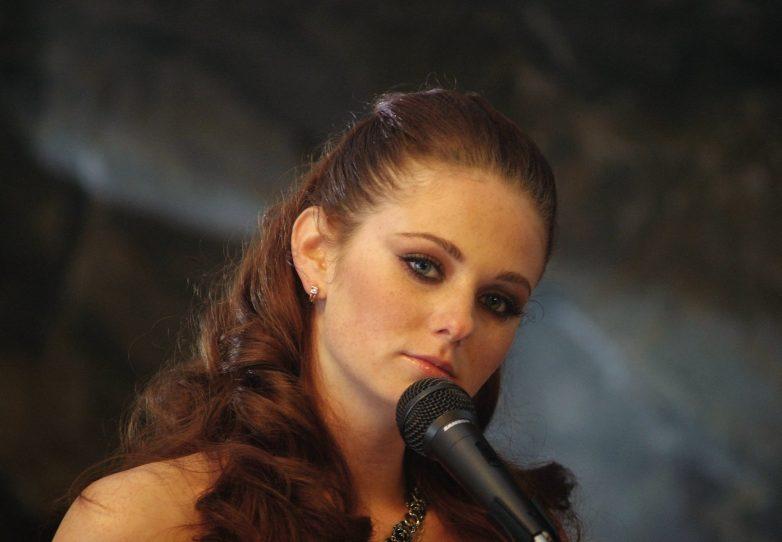 Певица Лена Катина вернулась в Россию