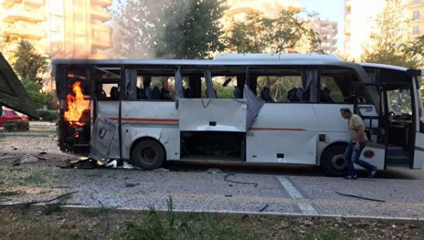 Взрыв автобуса вТурции: пострадали полицейские