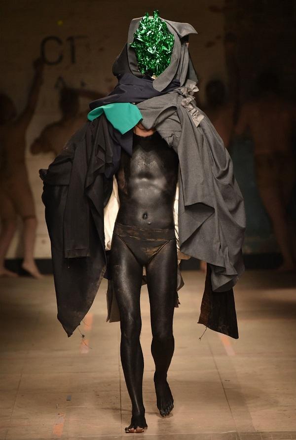 Высокая мода, что ты курила?! Вот именно так - по мнению дизайнеров - должен выглядеть сегодня модный мужчина.