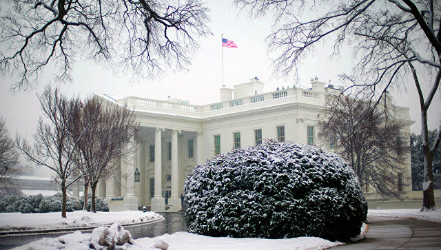 Зачем всех смешить: Белый дом назвал причину отказа от введения санкций против Путина