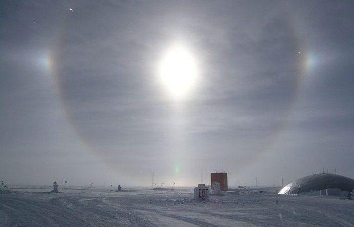 Южный полюс: круглосуточное Солнце.