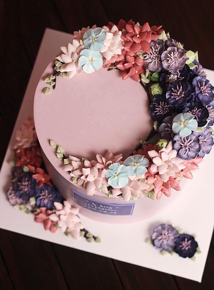 Как сделать цветочки на торт-крем