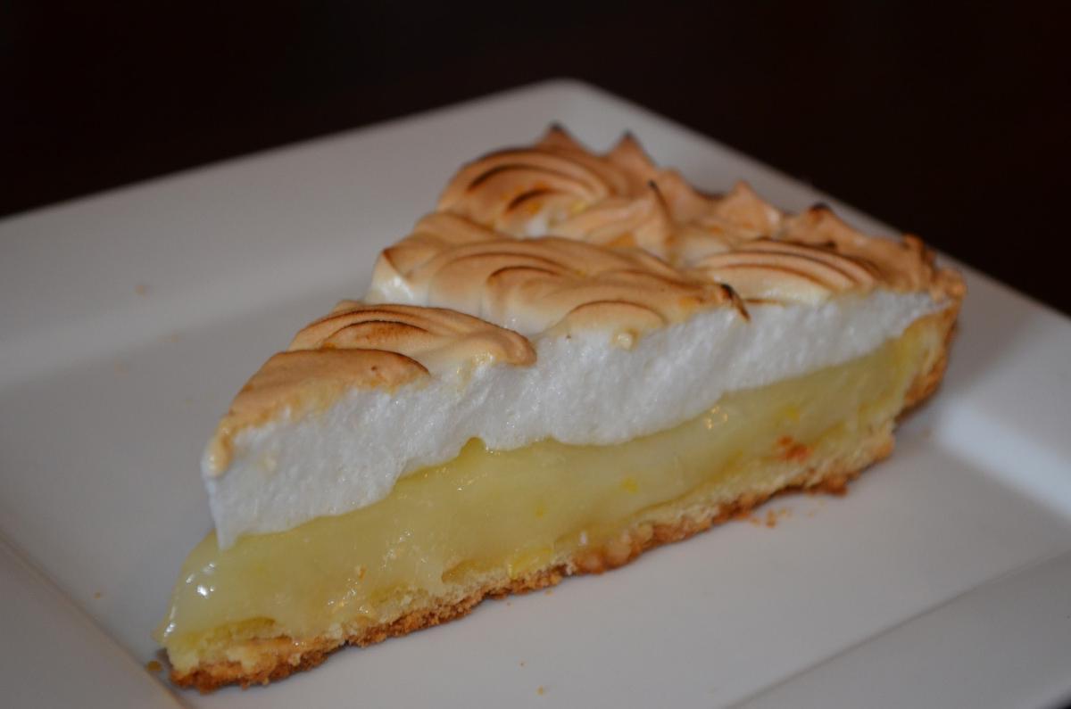 Картинки по запросу Лимонный пирог с меренгой