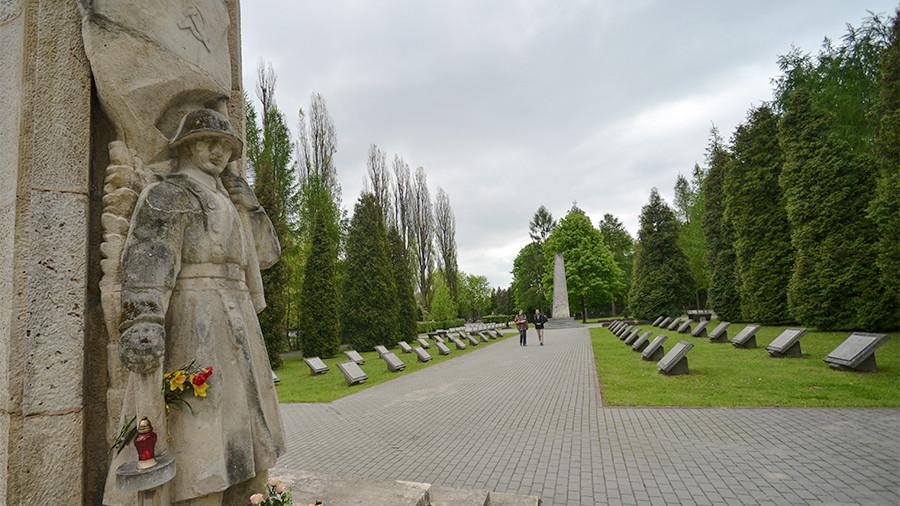 И подметать Катынь не будем: Россия ответит Польше асимметрично
