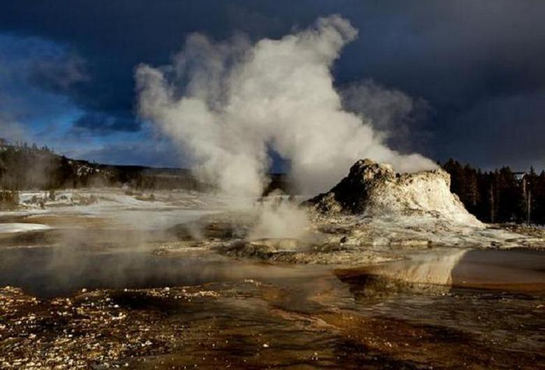 После солнечного затмения активность вулкана Йеллоустоун резко возросла