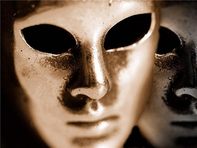 Ажурная маска своими руками