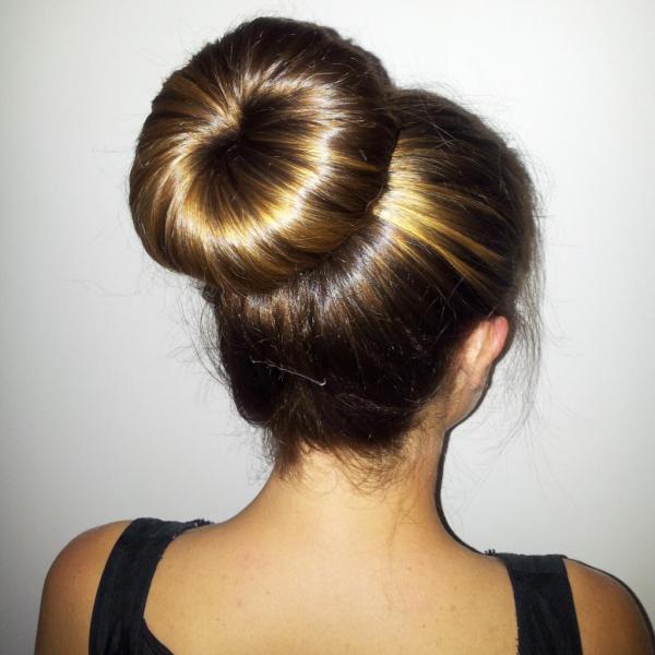 На заметку – 5 идей как собрать волосы в пучок красиво и необычно