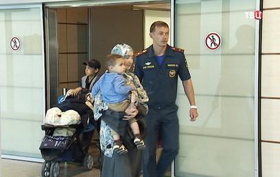Самолет МЧС доставил из Йемена более 60 граждан России и СНГ