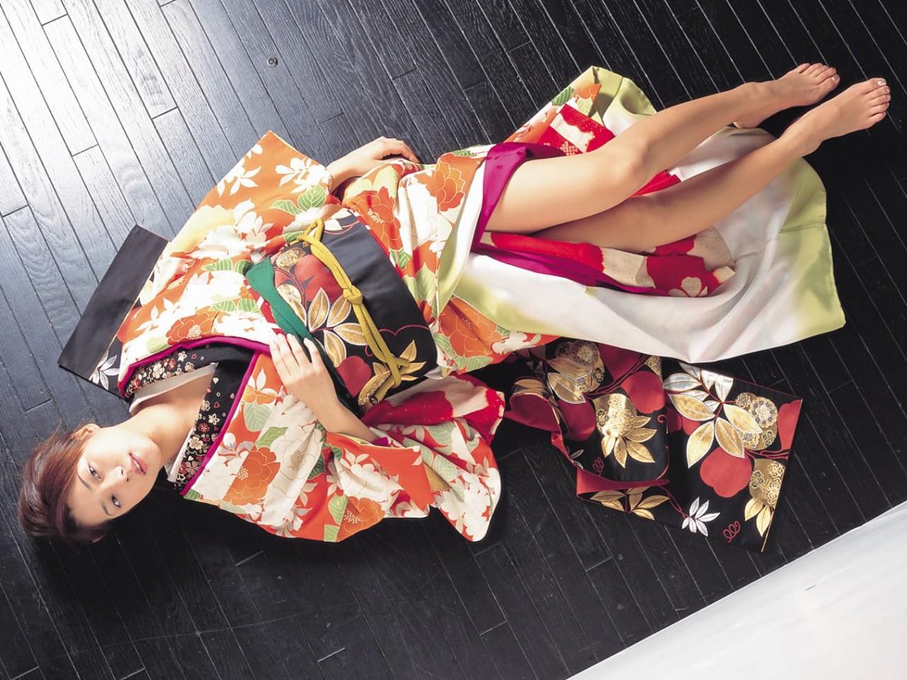 Кимоно — чарующая прелесть женственности