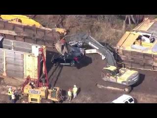 Поезд со 120 новыми BMW потерпел крушение (видео)