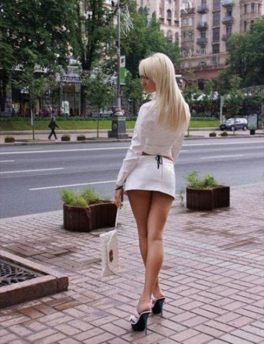 Фоты девочек сексуальные попы в юбочках фото 129-435