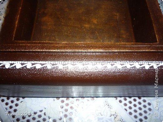 Добрый день, мастерицы! Я сегодня спешила сделать МК шкатулки-книги. Итак, нам необходимо: пеноплекс толщиной 2 см - 2/3 листа, нож канцелярский , наждачка, клеевой пистолет, краска гуашь, акриловый лак, распечатка, контур по керамике белый. фото 55