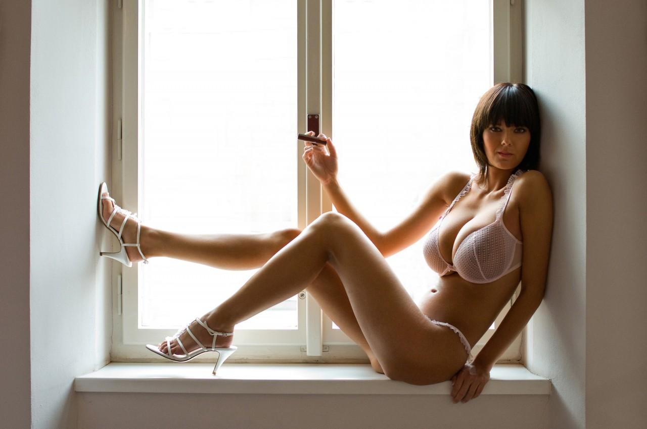 Осенняя эротика  Красивые голые девушки