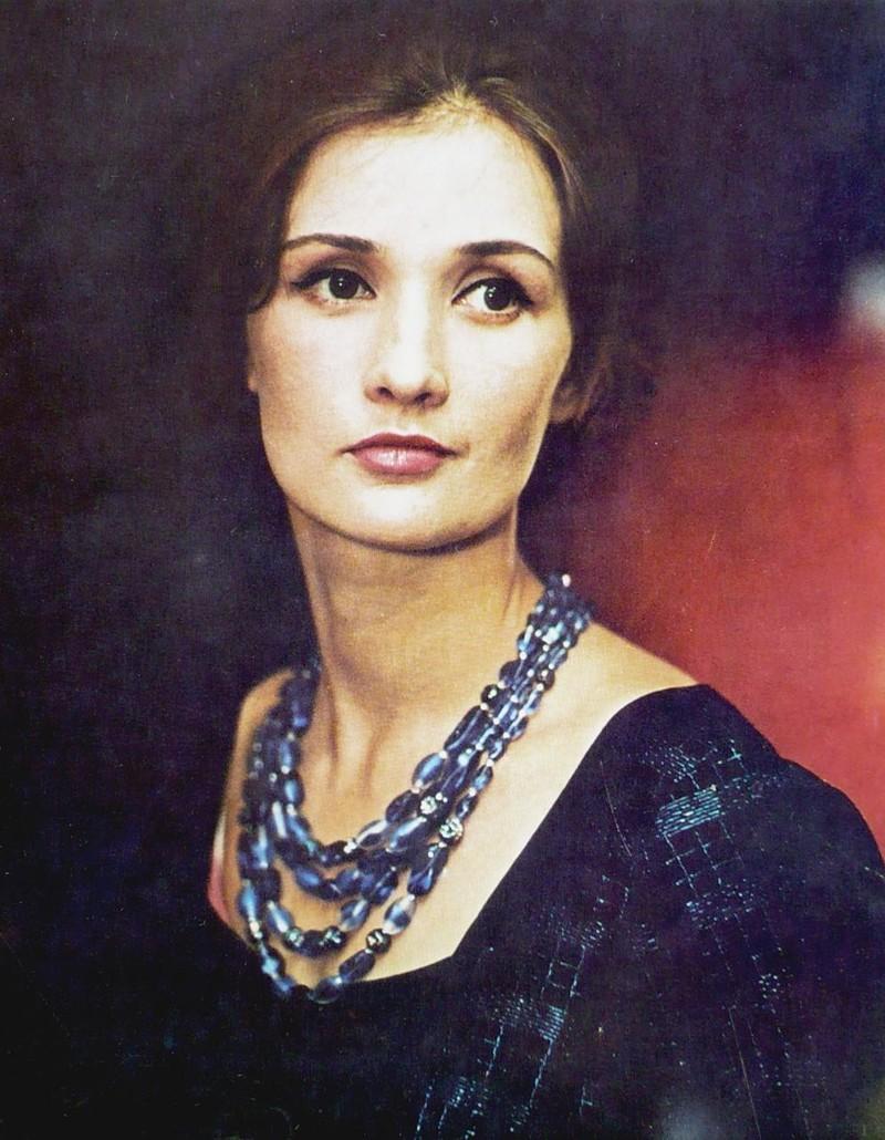 Сегодня день рождения у одной из самых красивых советских актрис - Зинаиды Кириенко