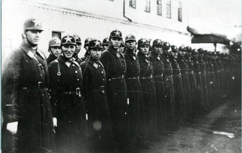 День сотрудника органов внутренних дел РФ. Долгий путь милицейских званий