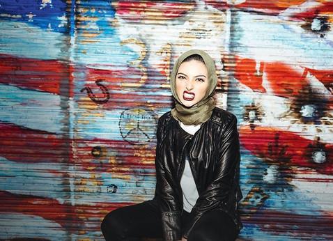 Модель в хиджабе впервые укр…