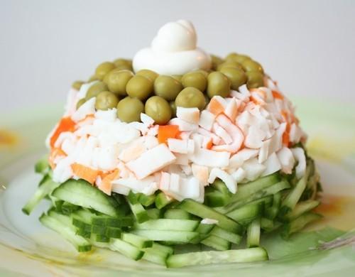 7 салатов с зеленым горошком