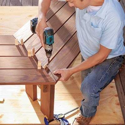 Как построить скамейку под деревом. Идея для дачи