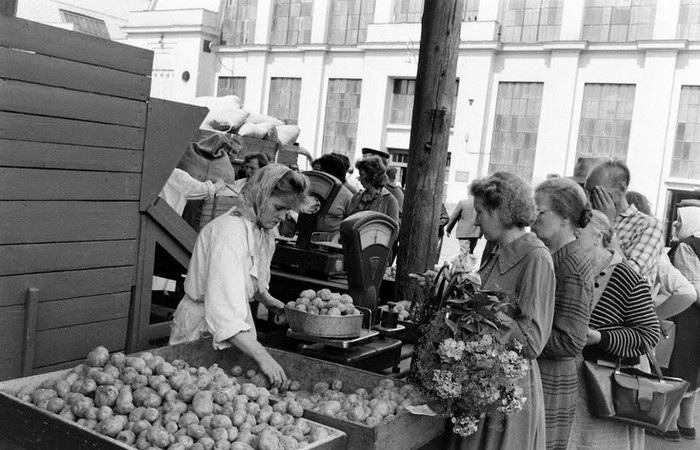Интересная подборка ретро фотографий, снятых в далеких 1960-х годах