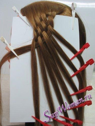 Плетение косичек 8 прядей влево