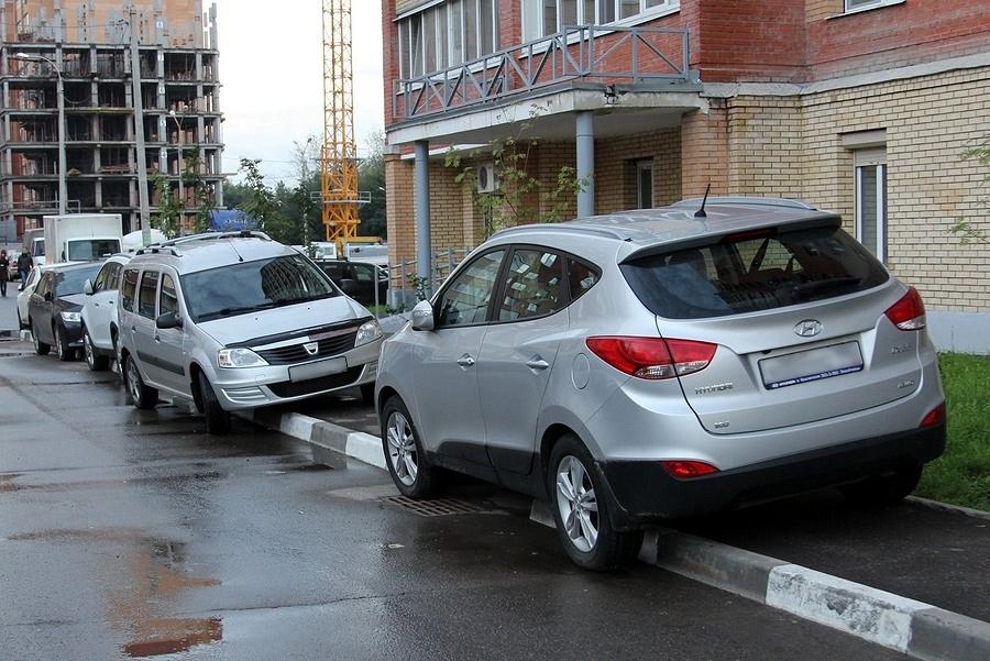 Водителям без гаража хотят запретить покупать авто
