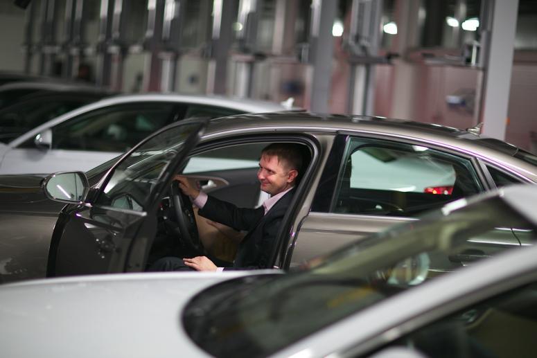 """Коммерсант"" анонсировал резкий рост цен на автомобили в 2018 году"
