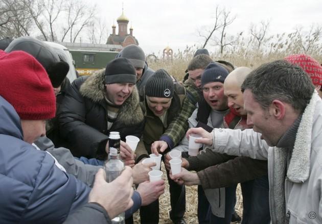 Россияне бухают 13 литров спиртяги в год и меньше бухать не хотят