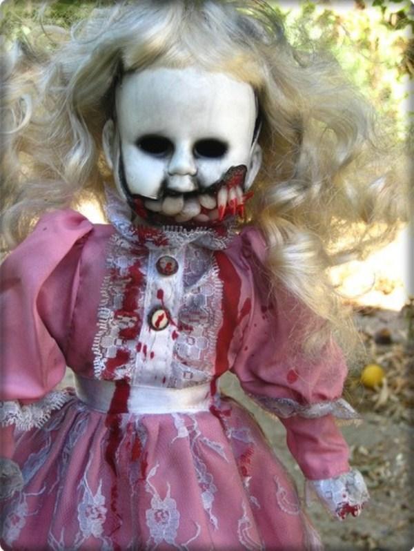 Самые страшные игрушки и странные куклы (18 фото)