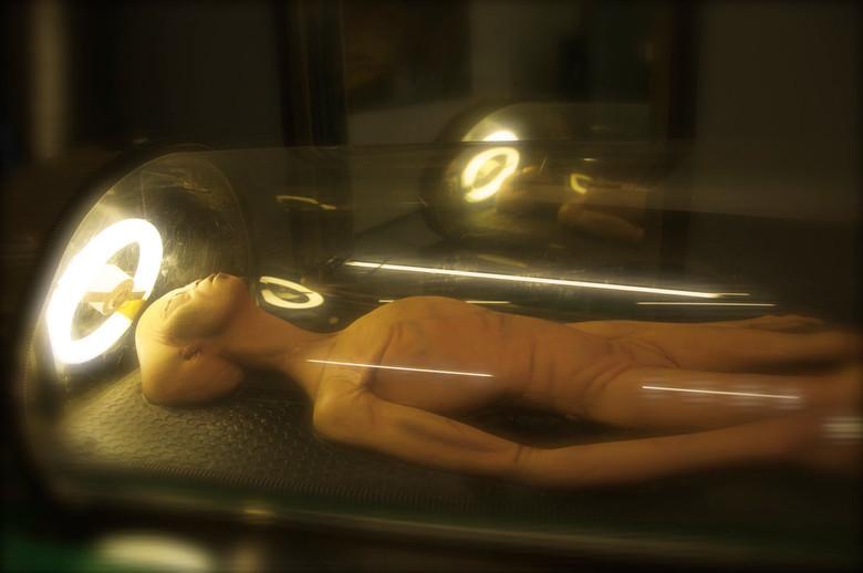 """Загадка черных """"саркофагов"""" с находящимися внутри таинственными телами"""