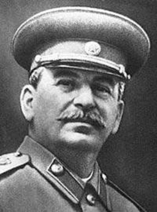 Отгадайте, кто написал эти прекрасные стихи о Сталине?
