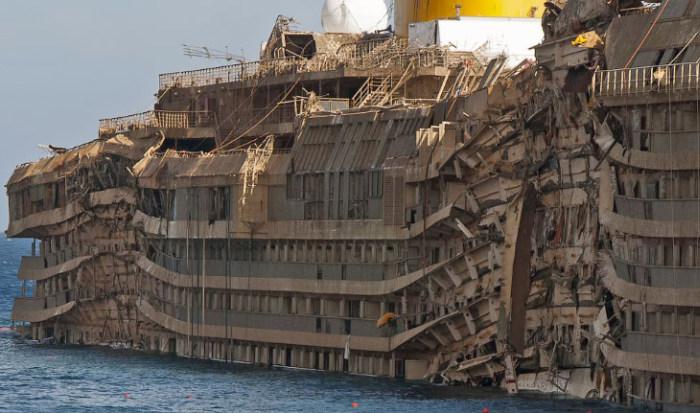 Редкие кадры с поднятого круизного лайнера Costa Concordia