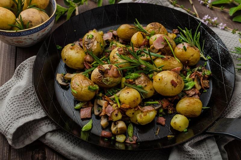 молодая картошка жареная