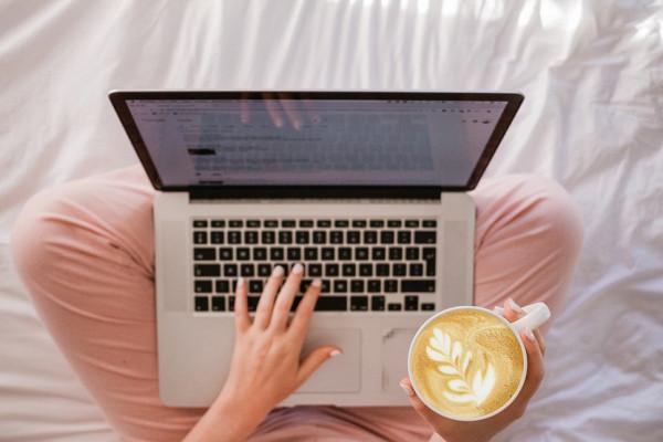 Жизнь перед экраном: ккаким проблемам приводят часы заноутбуком