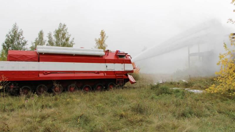 Военным досрочно передана партия специальных пожарных машин