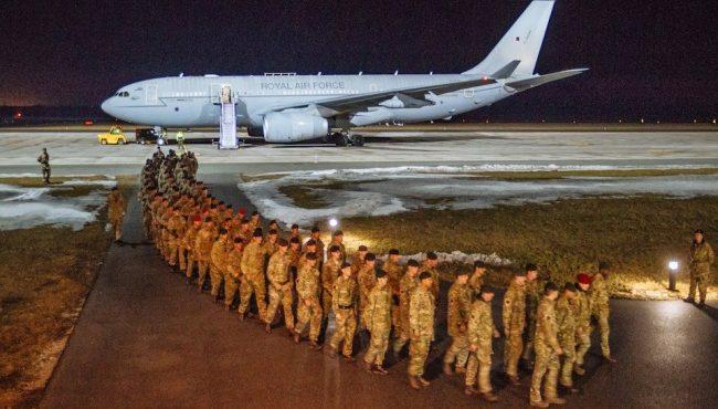 К российской границе НАТО перебрасывают сотни танков