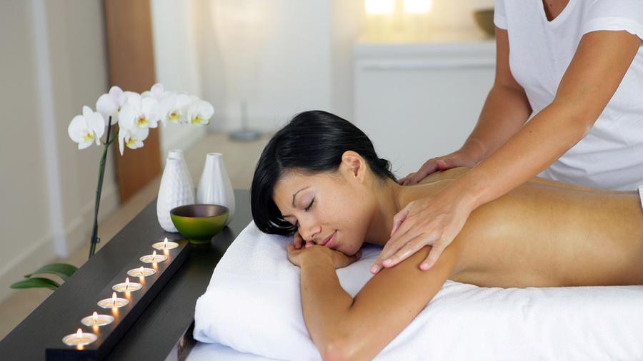 как девушке делают массаж фото-вц2