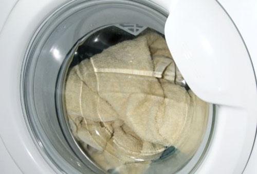 Чистим натуральный белый мех от загрязнений и желтизны в домашних условиях