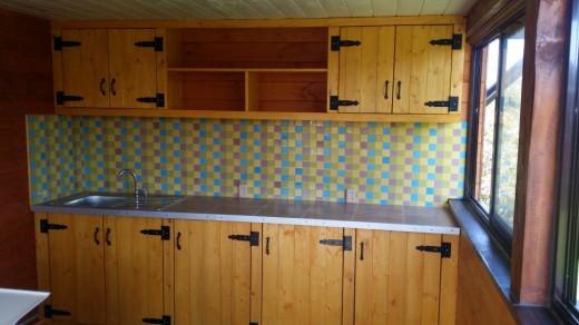 Летняя кухня на даче или «я тебя слепила из того, что было»