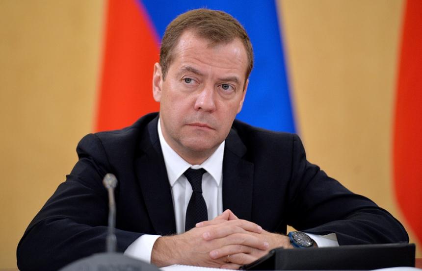«Берегите себя!»: Медведев посоветовал Силуанову пересесть на российский электромотоцикл