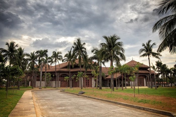 Кокосовый дворец на Филиппинах