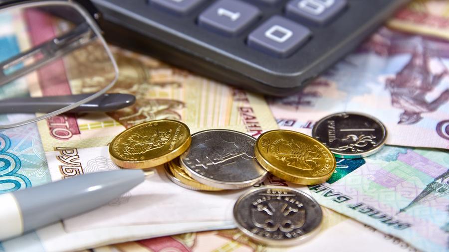 Как новогодние праздники отразятся на выплате пенсий? Что нужно знать о мошенниках? И где живут самые злостные неплательщики?