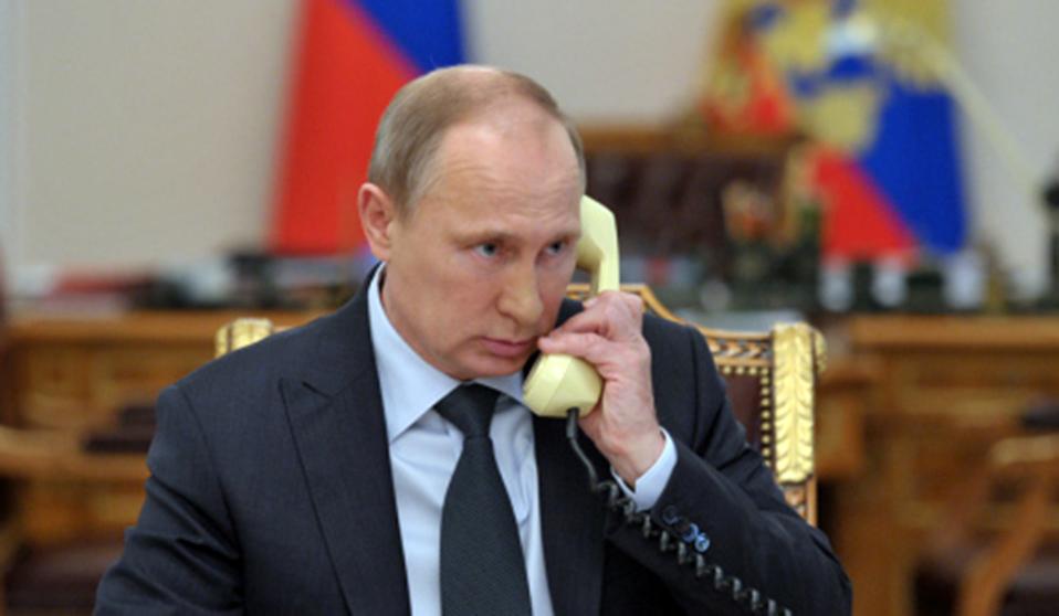 Песков подтвердил факт телефонных переговоров Путина с Порошенко
