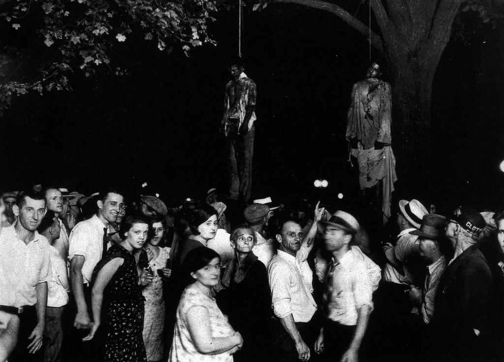 Негры ловят девушек толпой издеваются над белыми фото 804-731