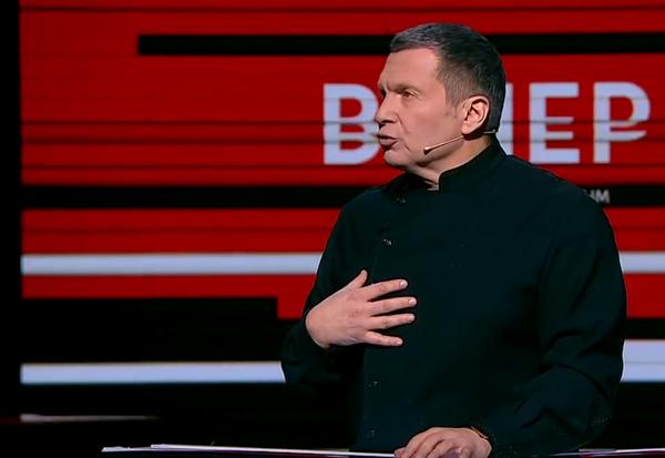 Блестящая речь Сергея Михеева о 90-ых перевернувших всю систему ценностей, вызвала аплодисменты даже оппонентов