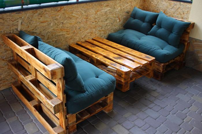 Мебель из паллетов, которая станет бюджетным, но эффектным украшением дома и сада